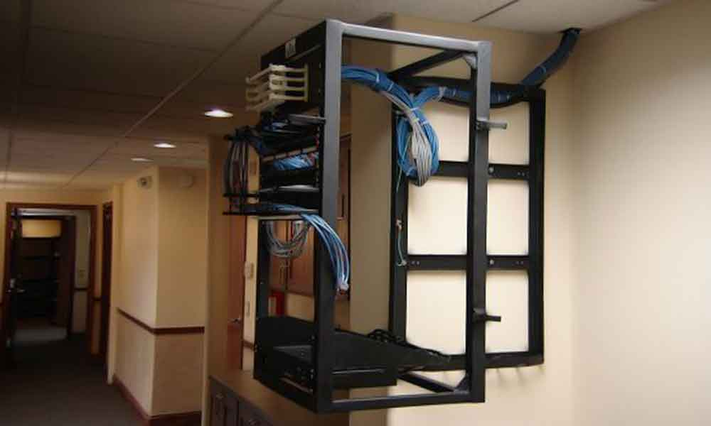 PMG- wall mount server rack